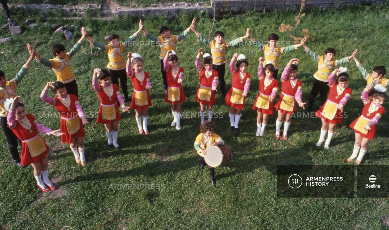 Մանկական պարի խումբ