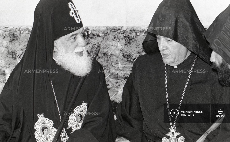Թորգոմ արքեպիսկոպոս Մանուկյանն ու Համայն վրաց պատրիարք Իլյա 2–րդը