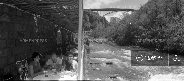 Սրճարան Զանգվի ափին