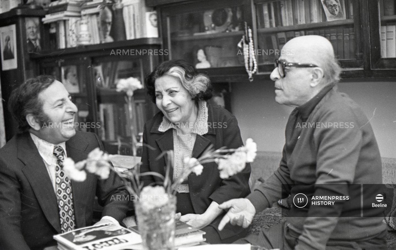 Վարդան Աճեմյանը կնոջ և տղայի հետ